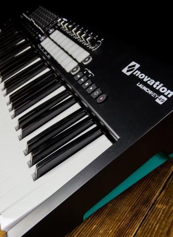 novation launchkey mk2 49 key midi keyboard controller. Black Bedroom Furniture Sets. Home Design Ideas