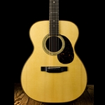 Martin Custom Shop 000-14 Fret Swiss Spruce/Quilted Bubinga - Natural