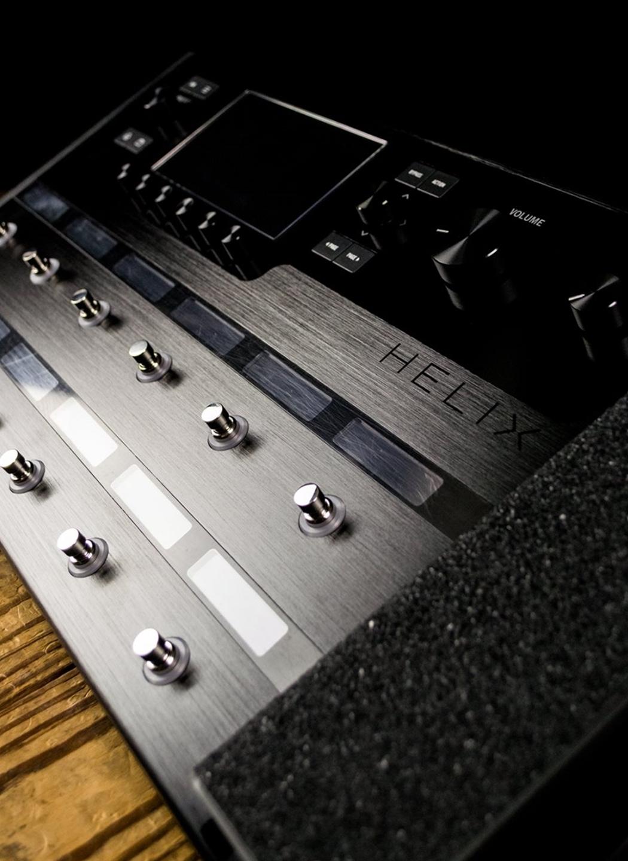 Line 6 Helix Floor Guitar Multi-Effects Processor Pedal