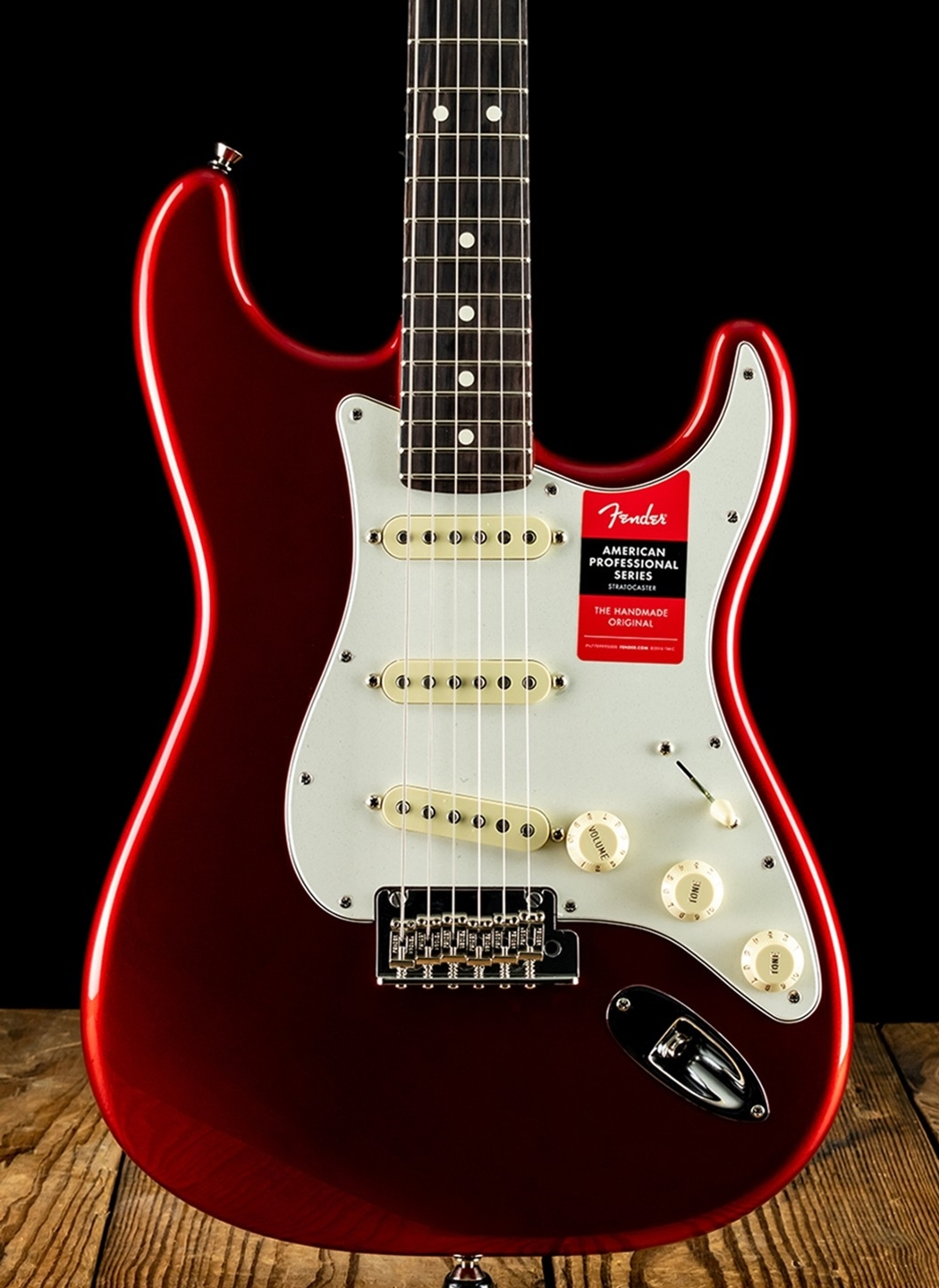 58bbb3d0e92 Fender American Professional Stratocaster - Candy Apple Red