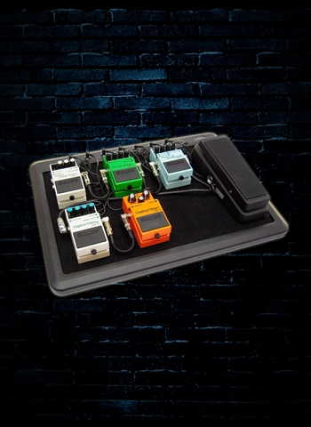 SKB 1SKB-PS-8 Powered Pedalboard