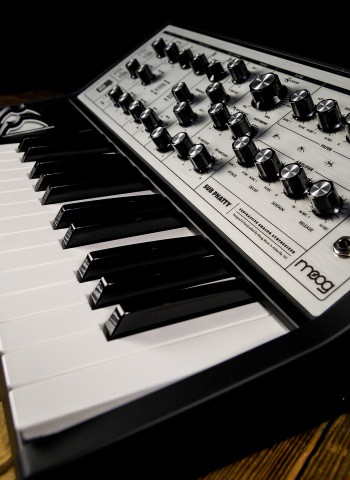 Moog Sub Phatty - 25-Key Analog Synthesizer