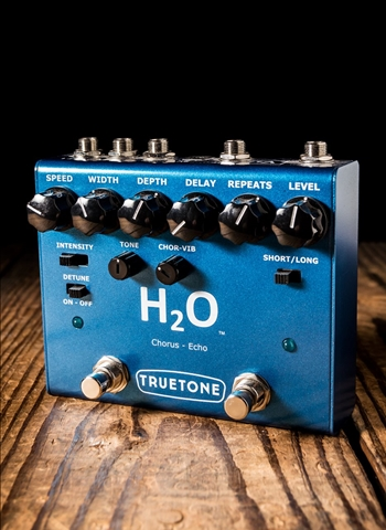 Truetone V3 H20 Chorus and Echo Pedal