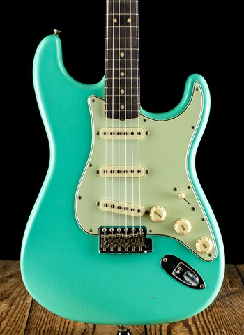Fender NAMM Limited Edition 1963 Journeyman Relic Stratocaster - Faded Seafoam Green