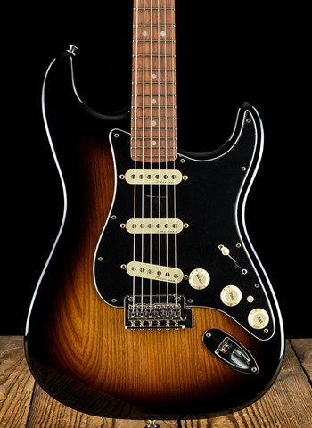 Fender Deluxe Stratocaster - 2-Color Sunburst