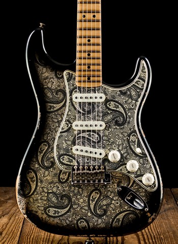 Fender Limited Edition '68 Relic Stratocaster - Black Paisley