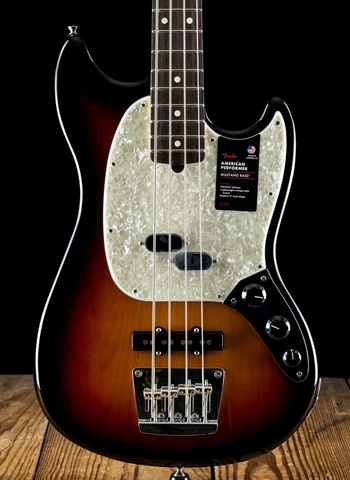 Fender American Performer Mustang Bass - 3-Color Sunburst