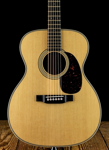 Martin 000-28 Modern Deluxe - Natural