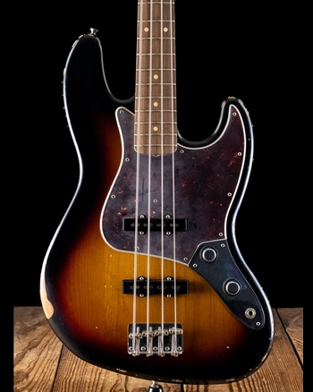 Fender 60th Anniversary Roadworn'60s Jazz Bass - 3-Color Sunburst